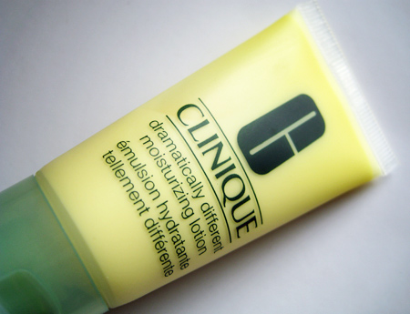 clinique-trina-turk-dramatically-different-moisturizing-lotiion