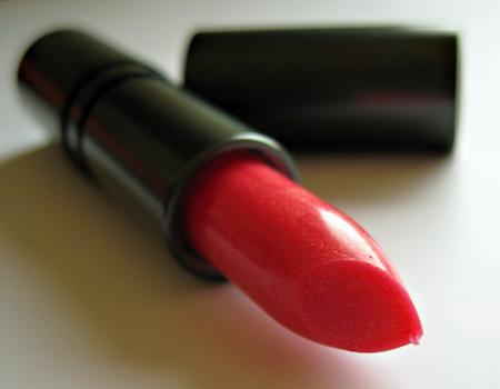 three custom color specialists seychelles frangipani sheer lipstick