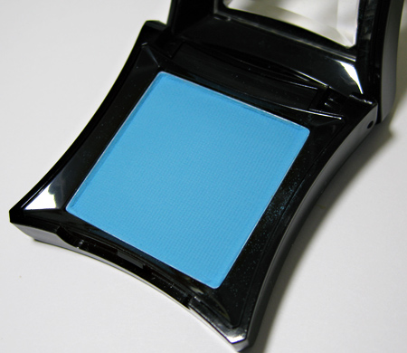 illamasqua makeup goddess powder eyeshadow