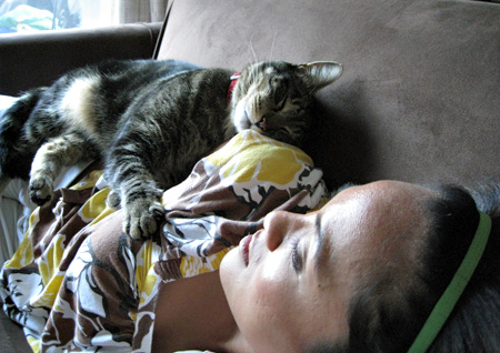 karen-and-tabs-sleeping-on-couch