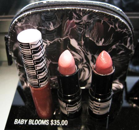 mac-graphic-garden-baby-blooms-lip-bag