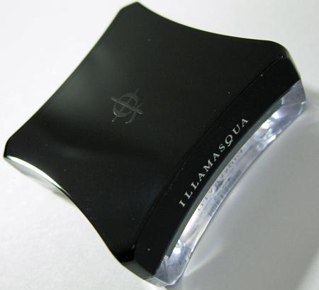 illamasqua pure pigment swatch conquer closed