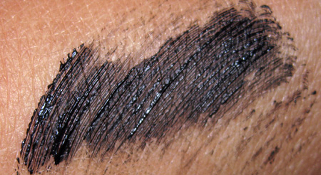 illamasqua swatches volume mascara