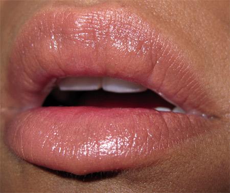dolce gabbana makeup swatch-seduction