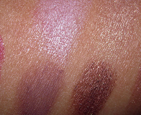 estee-lauder-sensuous-gold-swatches-rose-amethyst-signature-eyeshadow-quad