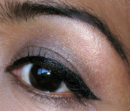 lorac-front-of-the-liner-pro-liner-review-eye