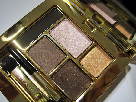 clarins palazzo doro collection jolie rouge gold attraction closeup