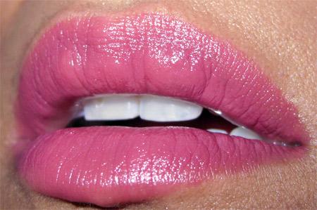 Clinique Black Tie Violets different-grape lips