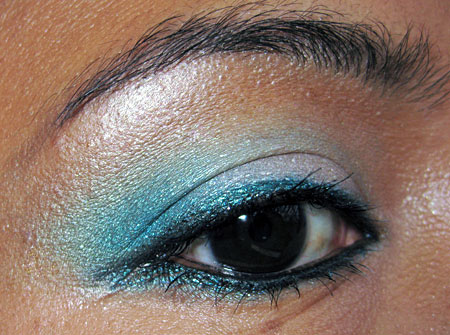 mac magic mirth mischief mineralize blue sorcery eyeshadow eye