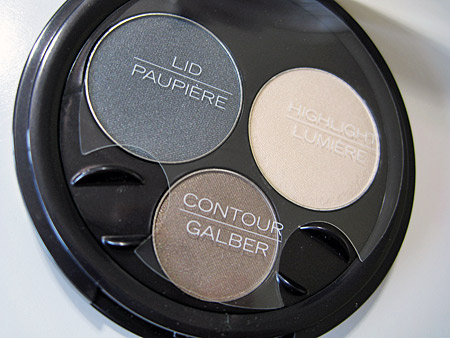 Sally Hansen Natural Beauty Perfect Smokey Eyes palette closeup 1