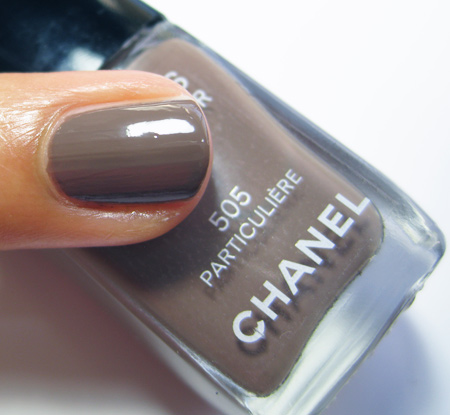 Chanel Particuliere Les Impressions de Chanel Spring 2010 1