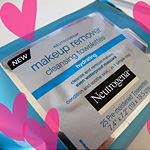 Neutrogena Hydrating Cleansing Towelettes