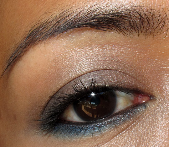 estee lauder blue dahlia swatches review eye closeup