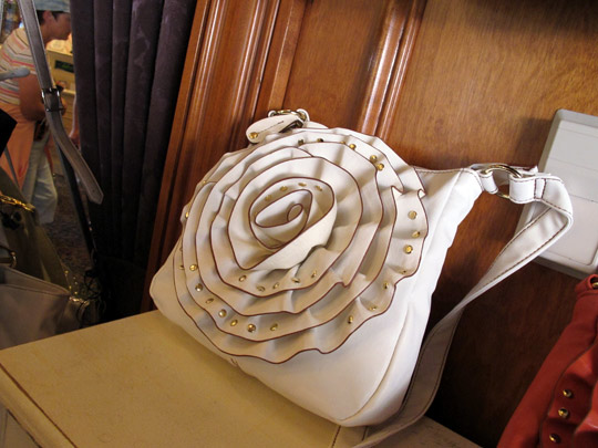 beauty of disney steve madden bag white rosette