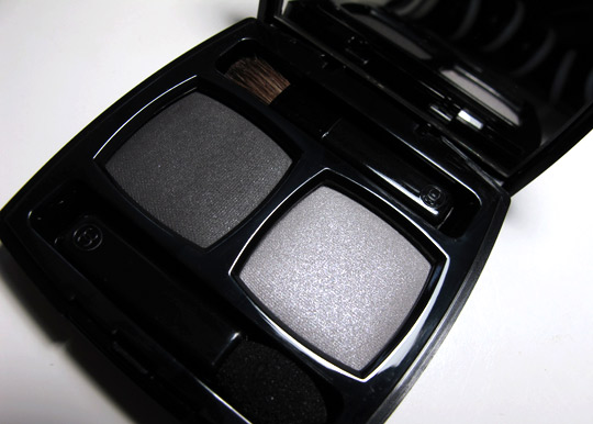 chanel ombres contraste eyeshadow duo review pictures gris subtil