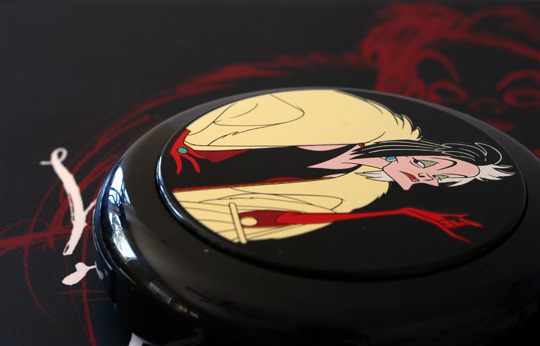 mac venomous villains review swatches photos cruella de vil beauty powder her own devices closed