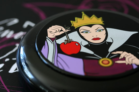 mac venomous villains review swatches photos evil queen beauty powder oh so fair closed