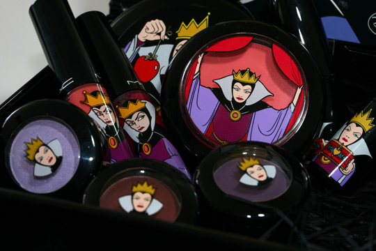 mac venomous villains review swatches photos evil queen overview shot