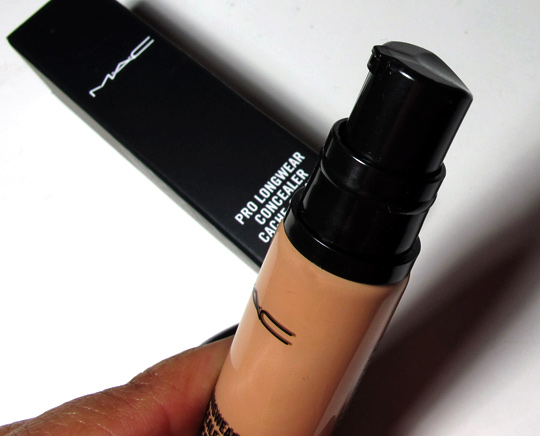 MAC Pro Longwear Concealer Review pump top
