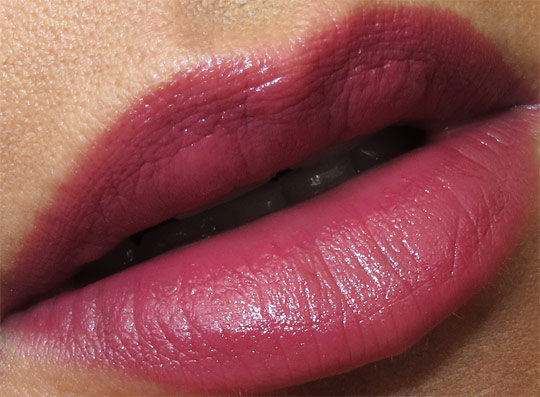 lip closeup of hourglass femme rouge lipstick review