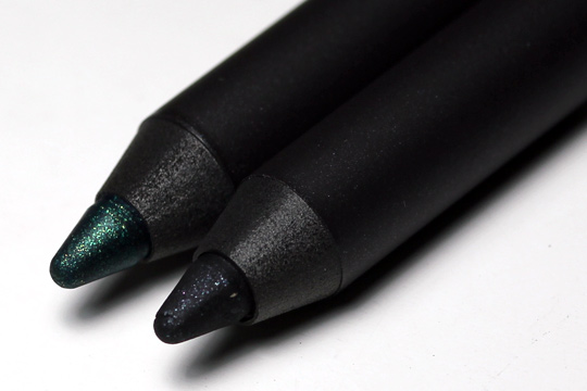 MAC a tartan tale holiday 2010 swatches pictures photos