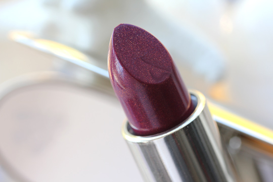 guerlain les ors holiday 2010 rouge g le brilliant b64 bee lipstick closeup