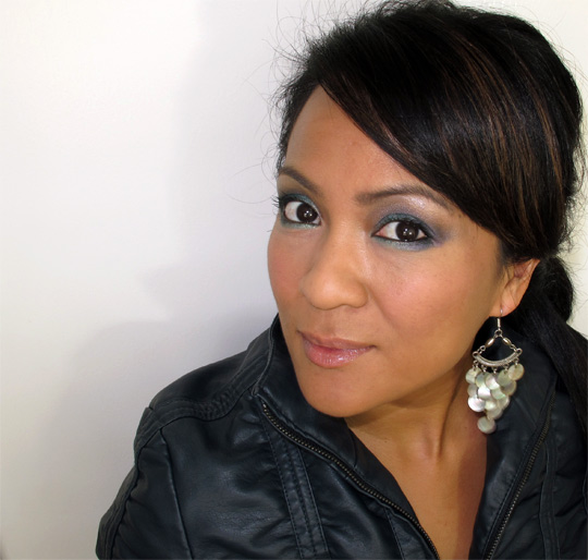 karen from makeup and beauty blog wearing the bobbi brown crystal eye palette
