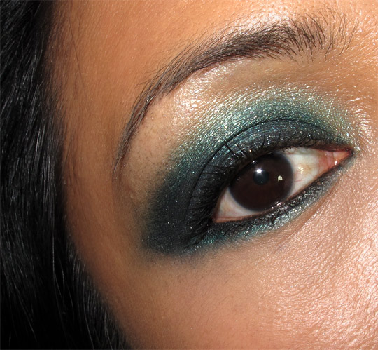 mac a tartan tale moonlight night pigment swatches face of the day eye