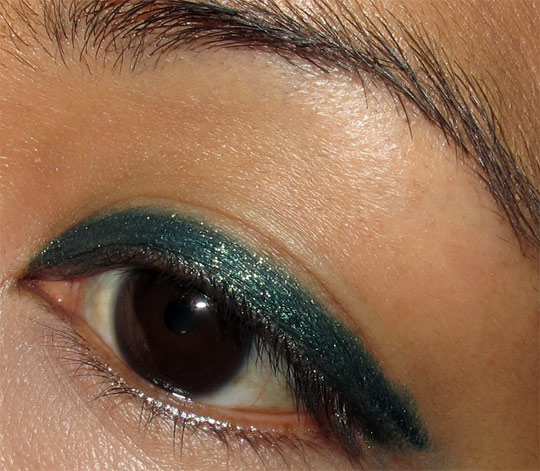 mac a tartan tale swatches Pearlglide Intense Eye Liner in Undercurrent