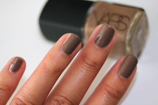 nars holiday 2010 swatches review photos bad influence nail polish nail closeup