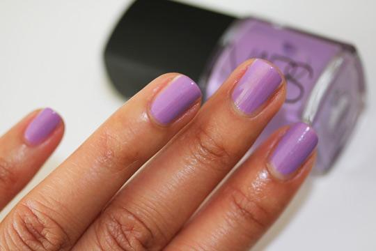 nars holiday 2010 swatches review photos pokerface nail polish nail closeup