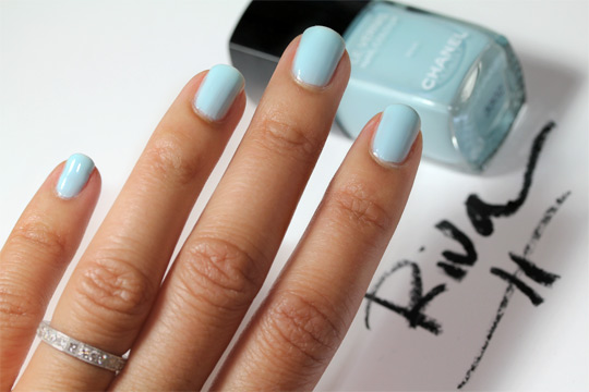 chanel riva le vernis nail colour review swatches photos nails 2