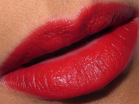 dolce gabbana lip jewel review swatches photos devil lip closeup