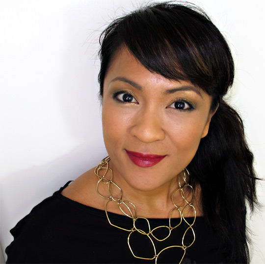 karen of makeup and beauty blog wearing the clarins barocco collection from holiday 2010