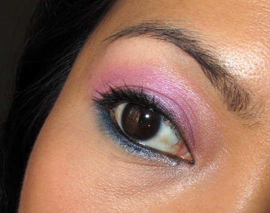 karen of makeup and beauty blog wearing the nyx velvet rope palette eye closeup