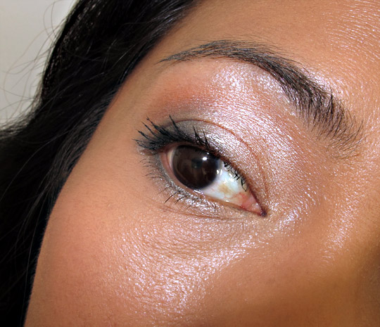 chanel ombres perlees de chanel eye closeup