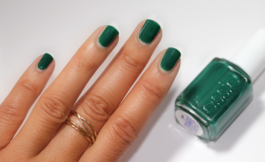 essie winter collection review swatches photos going incognito