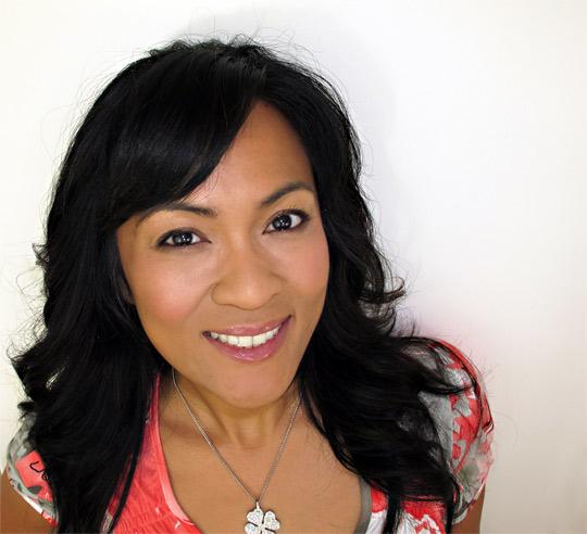 karen of makeup and beauty blog wearing benefit bella bamba after