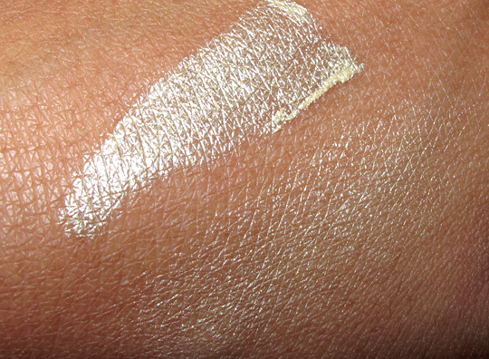 urban decay greed eyeshadow primer potion swatch on nc35 skin