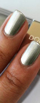 Dolce & Gabbana Nail Lacquer in Platinum