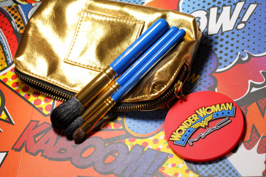 mac wonder woman Utility Belt Set Face Brushes