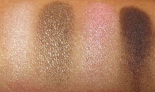 clinique pretty in prints eyeshadow swatch