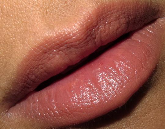 nar tzigane lipstick lip swatch