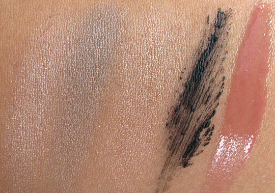 mac look in a box girl next door swatches without the flash