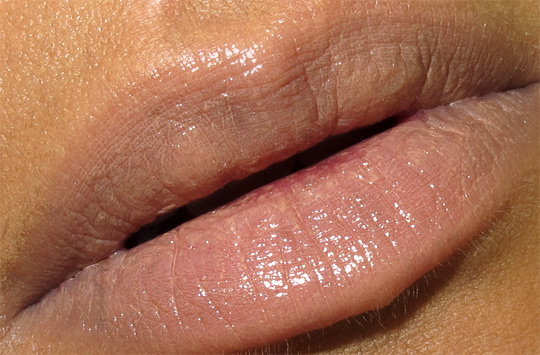 mac viva glam gaga 2 lipglass and lipglass swatch closeup