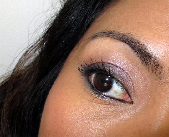 urban decay ud the feminine palette eye closeup