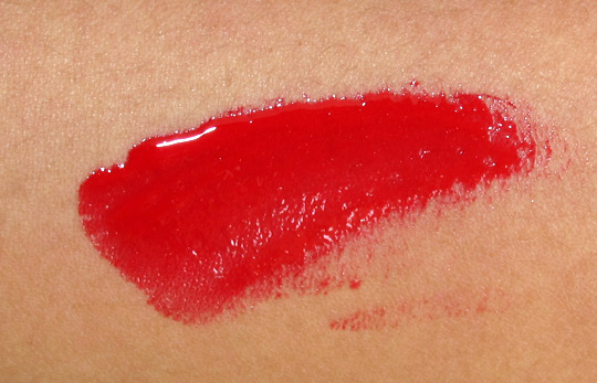 mac russian red lipglass swatch