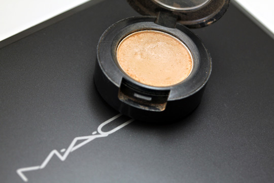mac ricepaper eyeshadow