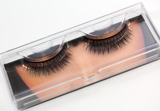 how to take off false eyelashes youtube