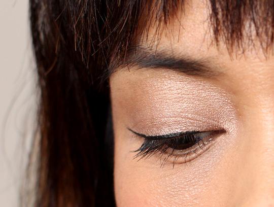 mac sweet satisfaction eyeshadow (3)